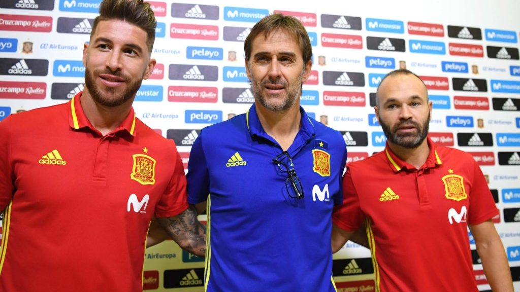 b882a174 Etter en knallsterk kvalifisering skulle man tro at Spania dro til VM fulle  av selvtillit og samhold. Slik blir det ikke. To dager før de har sin  første ...